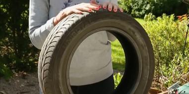 le pnouf le pouf fait avec un pneu. Black Bedroom Furniture Sets. Home Design Ideas